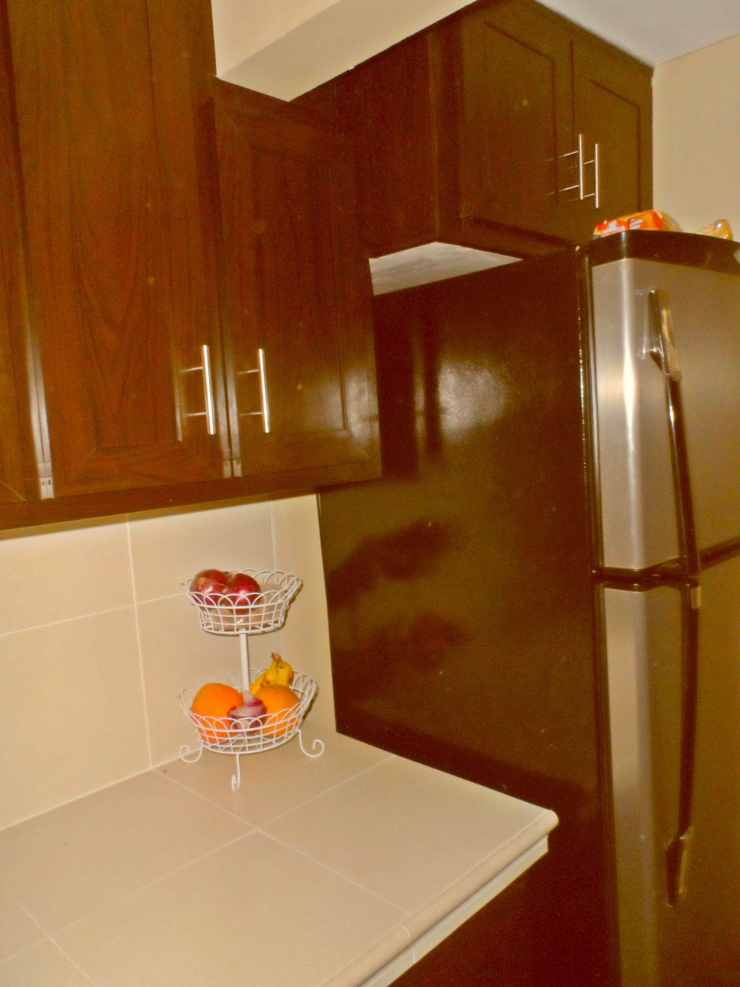 Puertas de cocina tipo cantina for Tipos de cocina